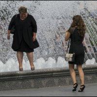 Маша,не прыгай здесь асфальт слабый! :: Алексей Патлах