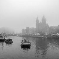 В Амстердаме 08.00 :: Андрей Володин