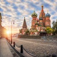 Красочный собор ранним утром :: Юлия Батурина