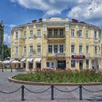 Июль на Греческой площади. :: Вахтанг Хантадзе