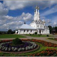 В монастыре :: Павел Галактионов