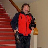 «Настоящий он художник!» — все с восторгом говорят, но в руках его не кисти — только фотоаппарат. :: Elena Izotova