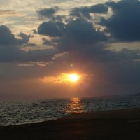 Небо и земля поспорили кто красивее. :: Оля Богданович