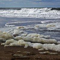 Море пенится бурливо.... :: Alexander
