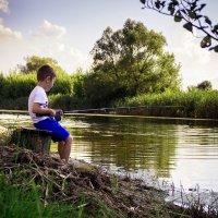 Юный рыбак :: Алиса Терновая