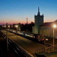 Вокзал Оржоникидзеград в бывшем городе Бежица, ныне в Бежицком районе Брянска :: Алексей Ник