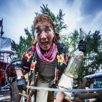 Пятнадцать человек на сундук мертвеца,  йо-хо-хо! :: Сергей Смоляков