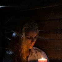Портрет со свечой :: Nata Grebennikova