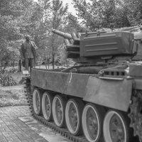вождь vs танк. :: lev