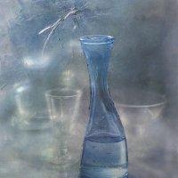 С голубой бутылкой... :: Liliya