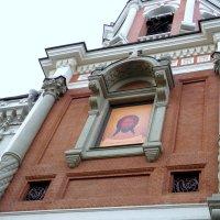 Заиконоспа́сский монасты́рь (т.е. Спасский «за иконными рядами»). :: Елена