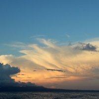 Встречаем рассвет на Бали. Фото с рыбацкой лодки :: Ekaterina Nikolaeva