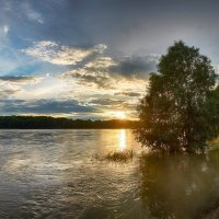 Закат на могучем Иртыше! :: Виктор Гришенков