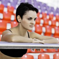 На спортивной трибуне... :: Сергей Гутерман