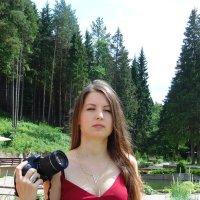 Александра - фотолюбитель. :: Людмила Ларина
