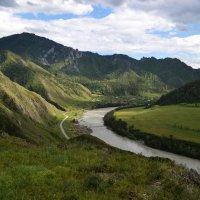 Горная река :: Весёлый Енот