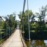Подвесной мост р. Кательва. :: Виктор ЖИГУЛИН.