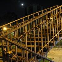 Вниз по лестнице любви, ведущей вверх... :: Алекс Аро Аро