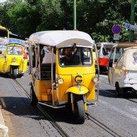 И в Лиссабоне есть тук-туки. :: Ольга Васильева
