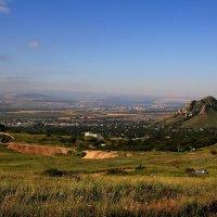 Предгорья Северного Кавказа в утренней дымке... :: Vladimir 070549