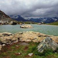 там, в облаках, огромная гора :: Elena Wymann