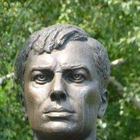 Памятник Пастернаку в Чистополе :: Наиля