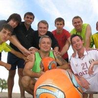 Пляжные футболисты:первый тайм мы уже отыгралы... :: Алекс Аро Аро