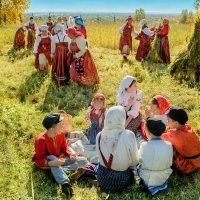Праздник хлеба  в Малых Корелах :: Виктор Заморков