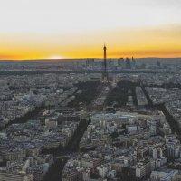 Закат в Париже :: Игорь Максименко