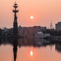 Раннее утро в Москве :: Максим Ткаченко
