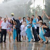 Хорошую свадьбу дождем не испортишь :: Елена Фомина