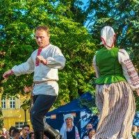Старинный белорусский народный танец :: Леонид Соболев