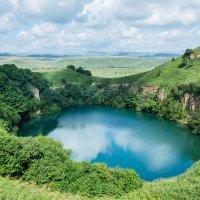 Карстовое озеро Шанхоре (среднее) :: Макс Сологуб
