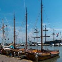В порту Волендам, Северная Голландия :: Witalij Loewin