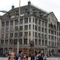 На площади Дам расположен один из десяти филиалов знаменитого музея восковых фигур Мадам Тюссо :: Елена Павлова (Смолова)