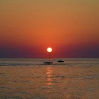 Закат на море :: Юрий Бичеров