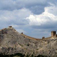 Генуэзская крепость. :: Владимир Михеев