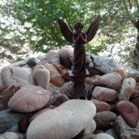 Ангел-хранитель крымских камней... :: Алекс Аро Аро