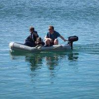 Двое в лодке не считая собаки :: Natalia Harries