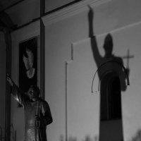 Тень :: Artem Zelenyuk