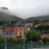 С высоких гор спускается туман... :: Михаил Рогожин