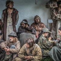 Массовка обедает... :: Виктор Грузнов