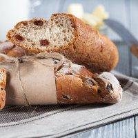 Домашний хлеб с изюмом :: Олег Кашаев
