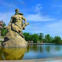 Несокрушимый и легендарный - город мой родной... :: Юлия Назаренко