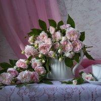 Розовые розы. :: Людмила Костюченко