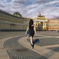 Дефиле по Дворцовой :: Valeriy Piterskiy