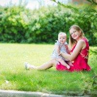Мама и дочь :: наталья Дубовая