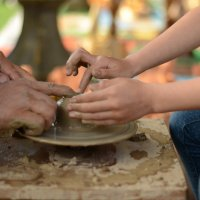 Руки мастера и ребенка! :: Ануш Хоцанян