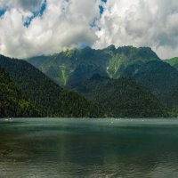 Озеро Рица... :: Анатолий __