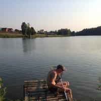 Рыбалка в Чехове, на пруду в деревне Голыгино.11.08.2016г. :: Виталий Виницкий
